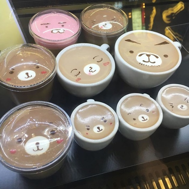 Artistic-barista-from-korea-who-draws-art-on-coffee-5912bebe179ce__700